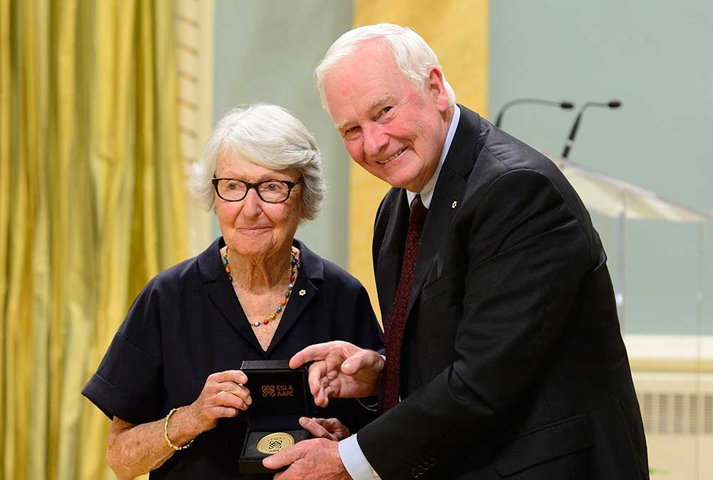Cornelia Hahn Oberlander receiving the inaugural Governor General's Medal in Landscape Architecture in 2016